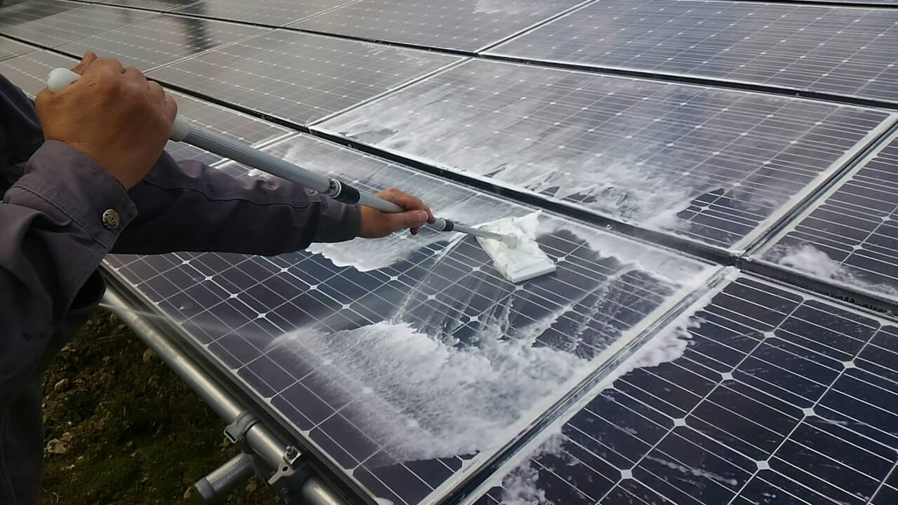 佐賀県 自社大和発電所 太陽光パネル洗浄