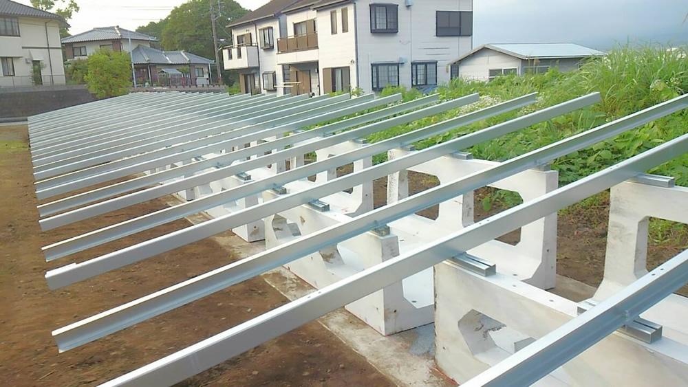 野立て 太陽光架台
